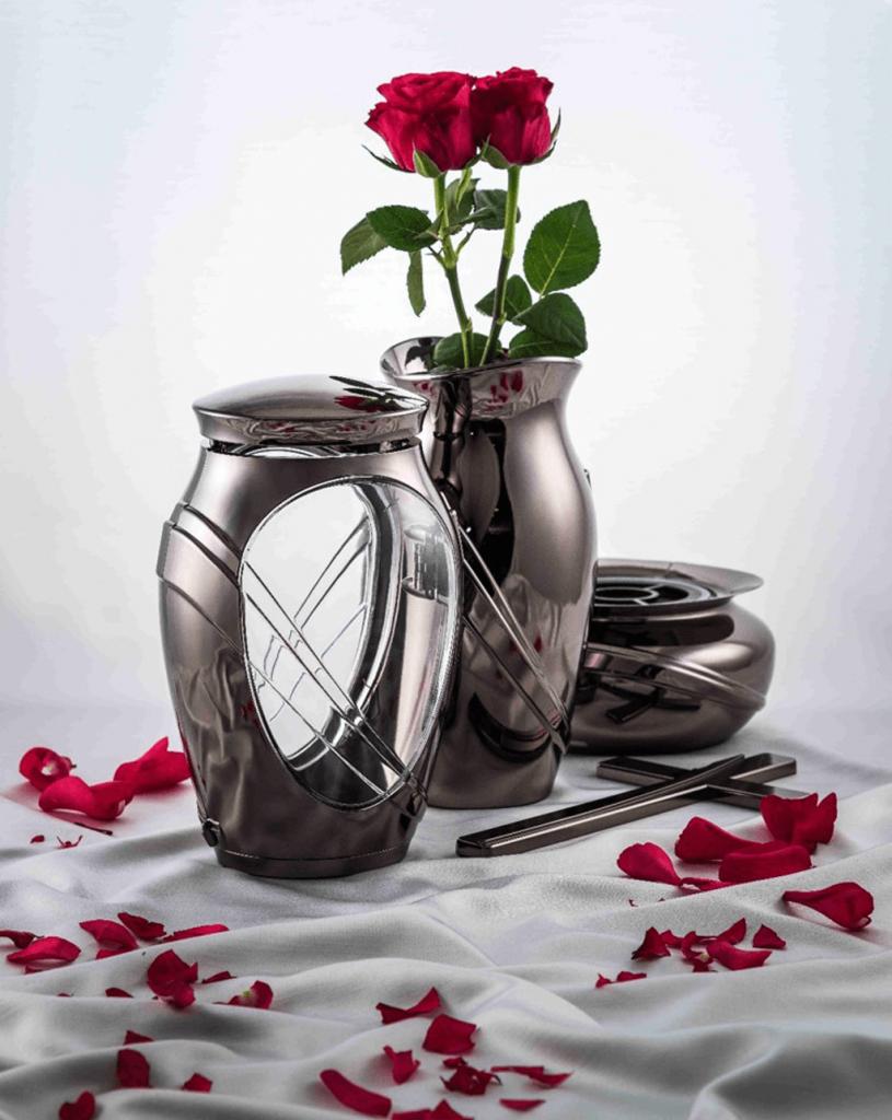 Pomníkové doplnky vázy